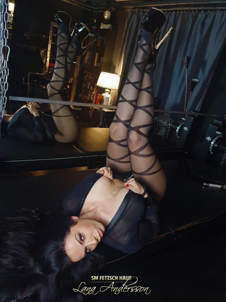 Bizarr Lady Zenja  - Bild 8