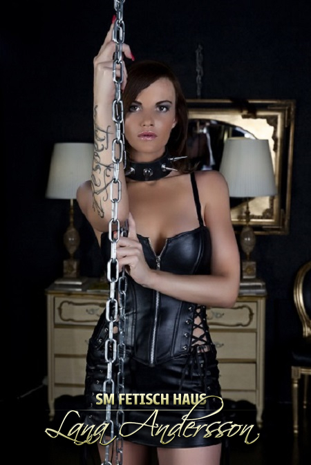 Bizarr Lady Edina.                     - Bild 1