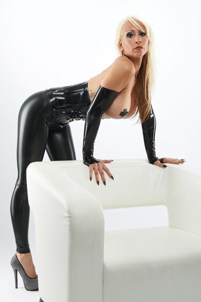 LADY DAJANA - Bild 1