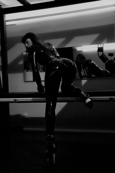 Bizarr Lady  LEA CH - Bild 1