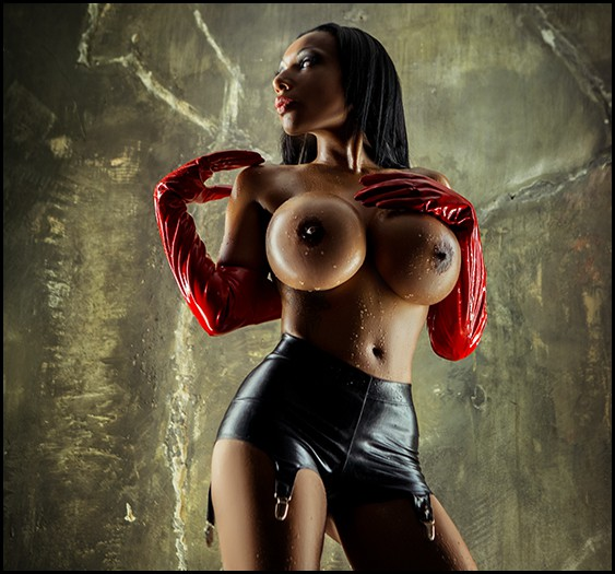 BIZARR LADY RIANA - Bild 1