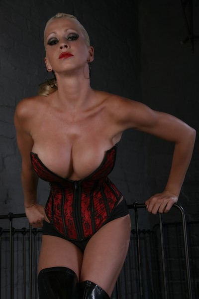 LADY DAJANA - Bild 7
