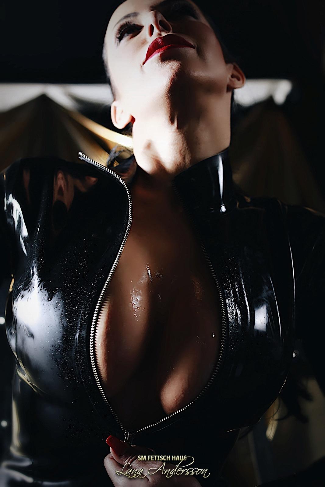 BIZARR LADY ZENJA - Bild 19